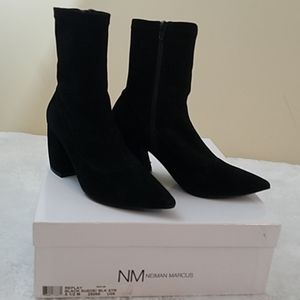 Neiman Marcus Replay Sz 6.5 Baclk Suede Booties